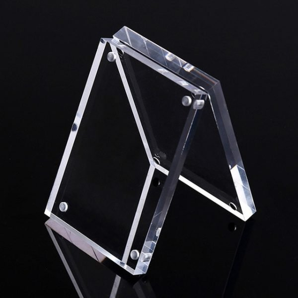 1*Freestanding Clear Acrylic Photo Frame